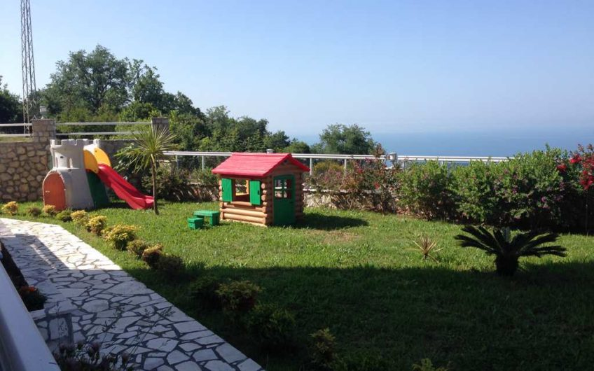 Stan u kompleksu sa bazenom i panoramskim pogledom na more u Dobra Voda