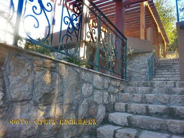 Kamena kuća na Barskoj rivijeri, Sutomore