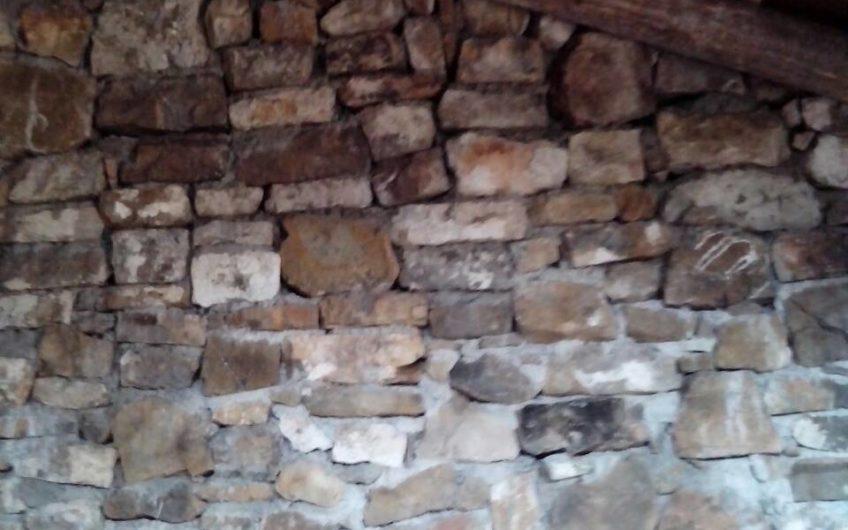 Prodaje se kamena kuća u Herceg Novom, Bijela