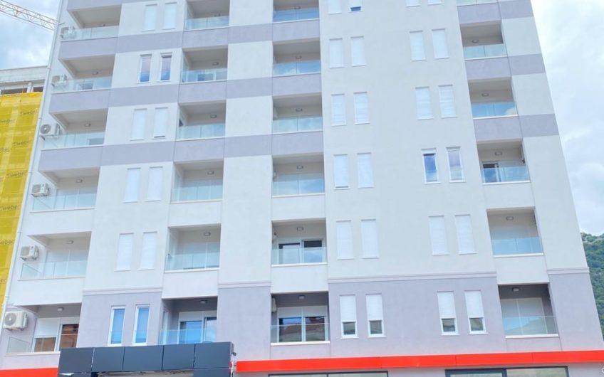 """Prodaje se novi stan u Budvi, u blizini """"Vivaldi"""""""